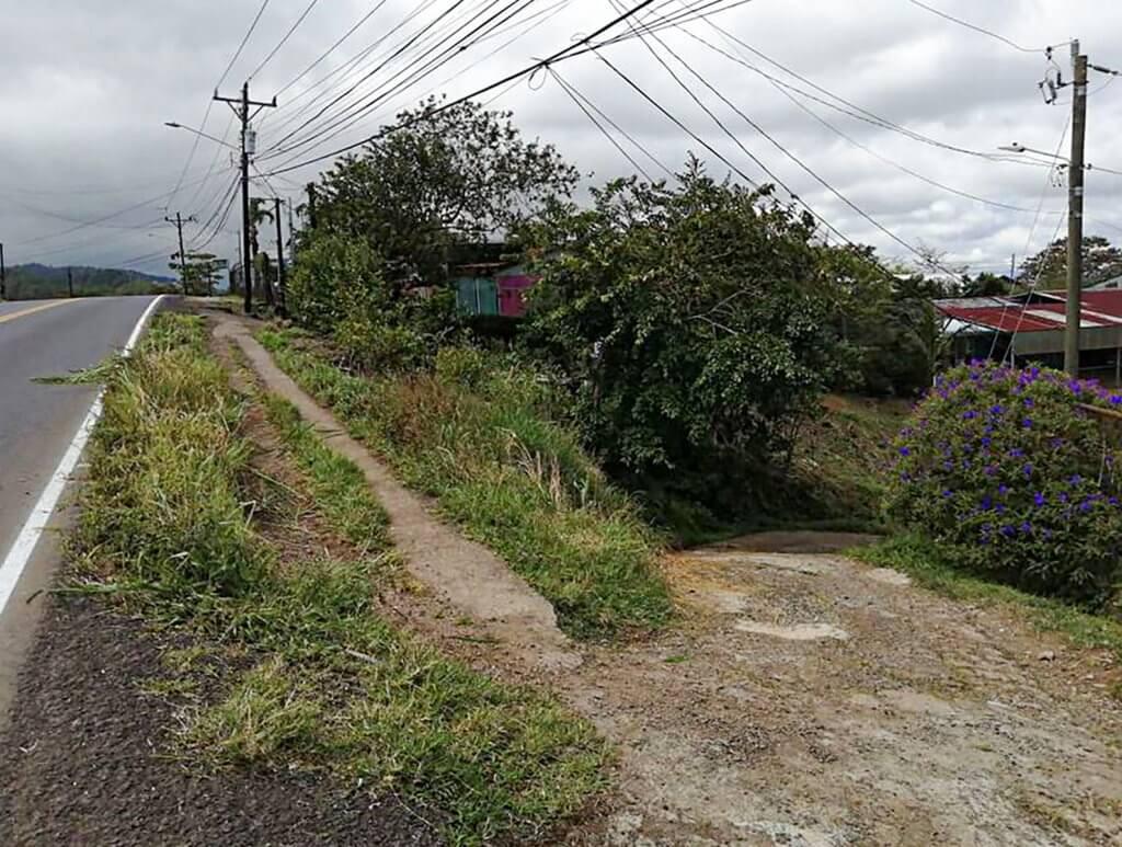 Foto #4 acceso calle pública ed copia