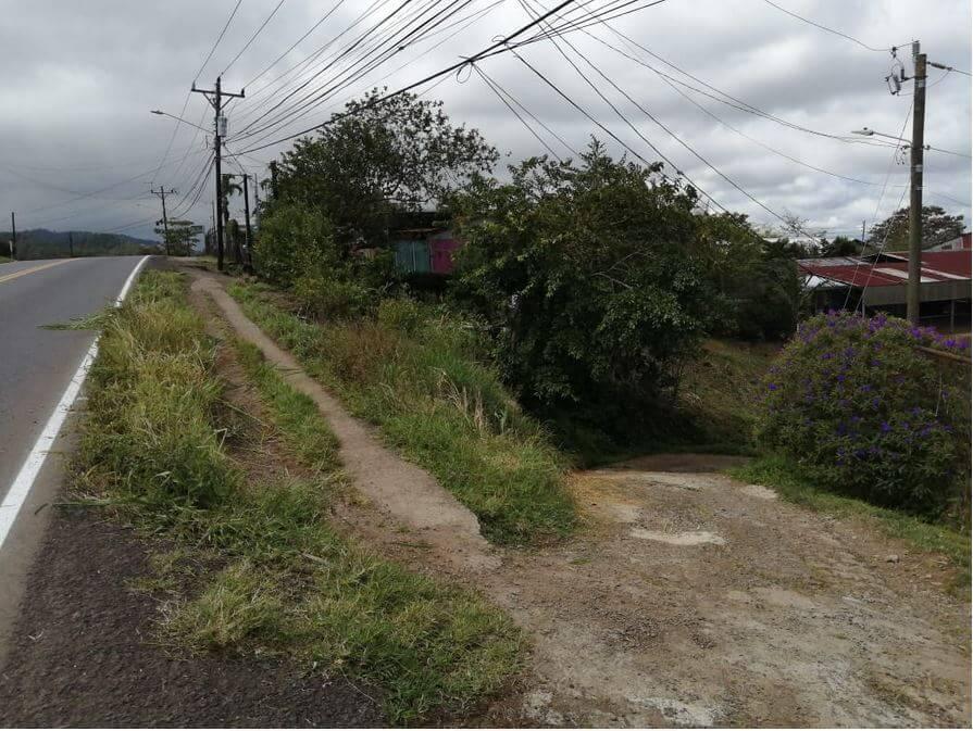 Foto #4 acceso calle pública