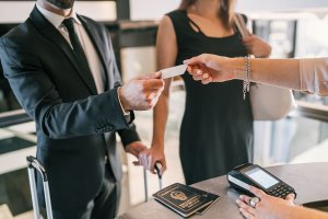 How to get a credit card to travel abroad?